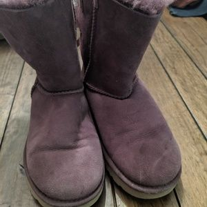 Purple bow Uggs